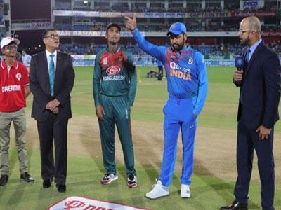 फाइनल T20 मुकाबला : भारत के चार विकेट गिरे, श्रेयस और राहुल ने ठोका अर्धशतक